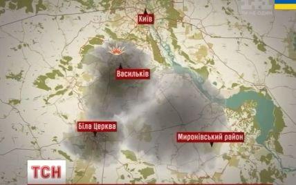 Спасатели временно прекратили борьбу с огнем под Васильковом