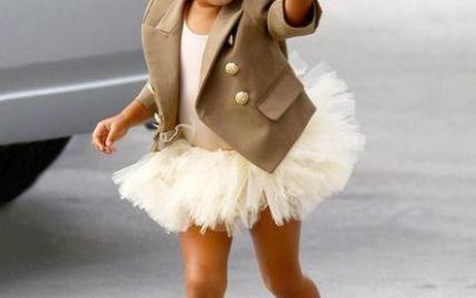 2-летняя дочь Ким Кардашьян запретила папарацци ее фотографировать