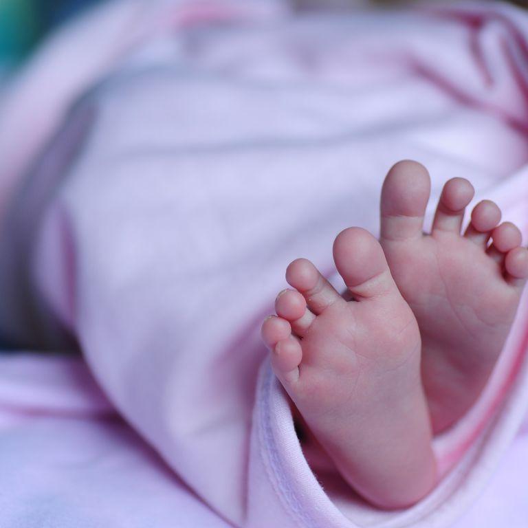 Задушила і хотіла викинути: у Миколаєві жінку підозрюють у вбивстві новонародженого