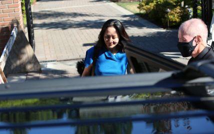 Пішла на угоду зі США: фіндиректорку Huawei звільнили з-під домашнього арешту