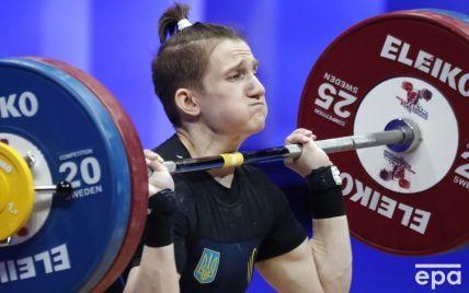 Установила рекорд: юная украинка феерично выиграла Чемпионат мира по тяжелой атлетике