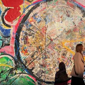 В Дубае продали самую большую в мире картину за более 60 миллинонов долларов (фото)
