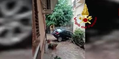 Італію заливає водою: на півдні країни шторм спричинив потужну повінь