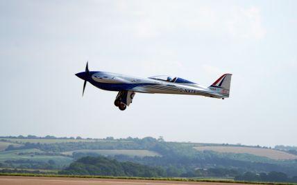 Rolls-Royce створив повністю електричний літак: він вперше злетів у повітря
