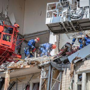 Постраждалим від вибуху на Позняках відновлюють документи