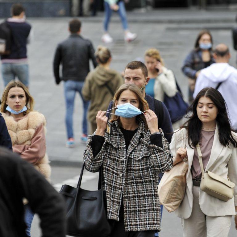 """Коронавирус превращает Украину в """"красную зону"""": насколько критична ситуация по состоянию на 23 октября"""