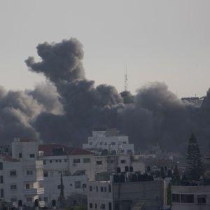 Палестино-израильский конфликт: один из лидеров ХАМАСа погиб в результате обстрелов Сектора Газа
