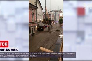 Новости мира: наводнения добрались к Австрии - затопило пограничный городок, людей эвакуировали