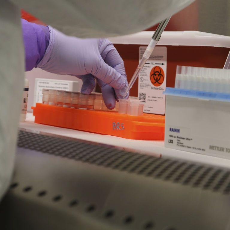 Вспышка коронавируса в Нежине: инфицированный фельдшер обслуживал два района
