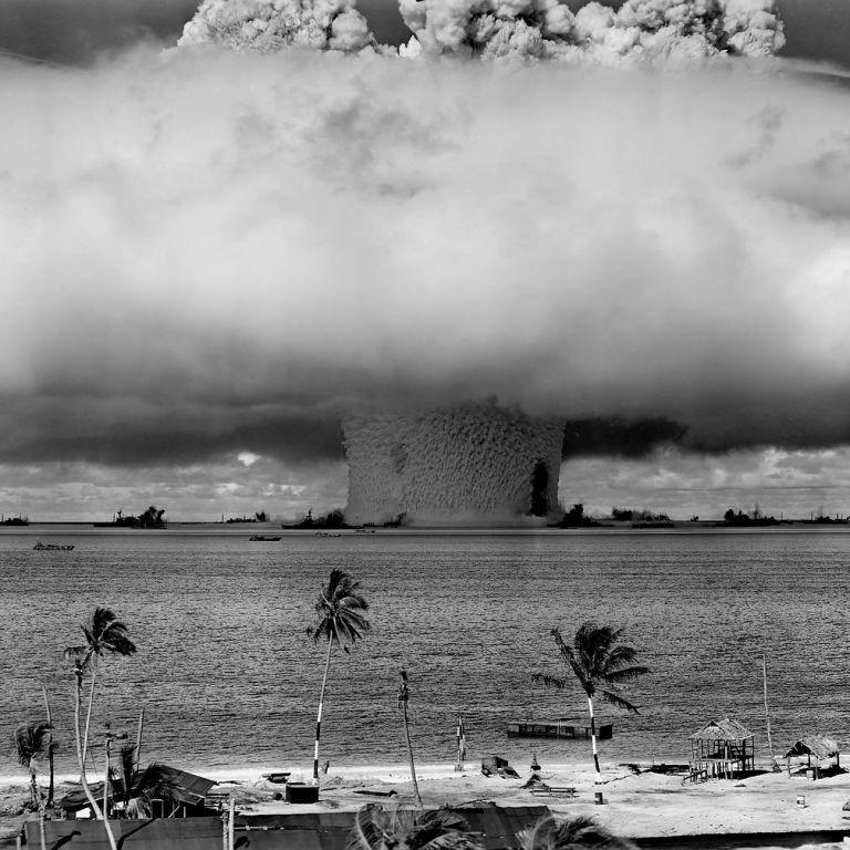 """Угроза ядерной войны и стремительное распространение штамма """"Дельта"""". Пять новостей, которые вы могли проспать"""