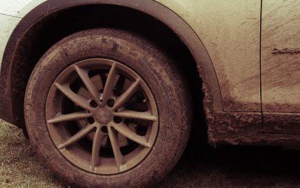 Автомобилистам рассказали, почему не стоит заранее менять летние шины на зимние