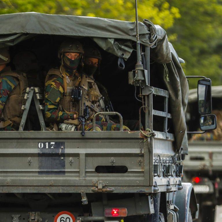 """У Бельгії шукають озброєного """"месника"""": військовий погрожував поліції і відомому вірусологу"""