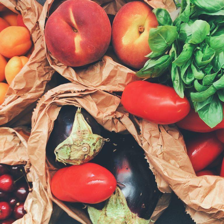 В Україні овочі стали дешевшими, а фрукти - здорожчали: які нині ціни