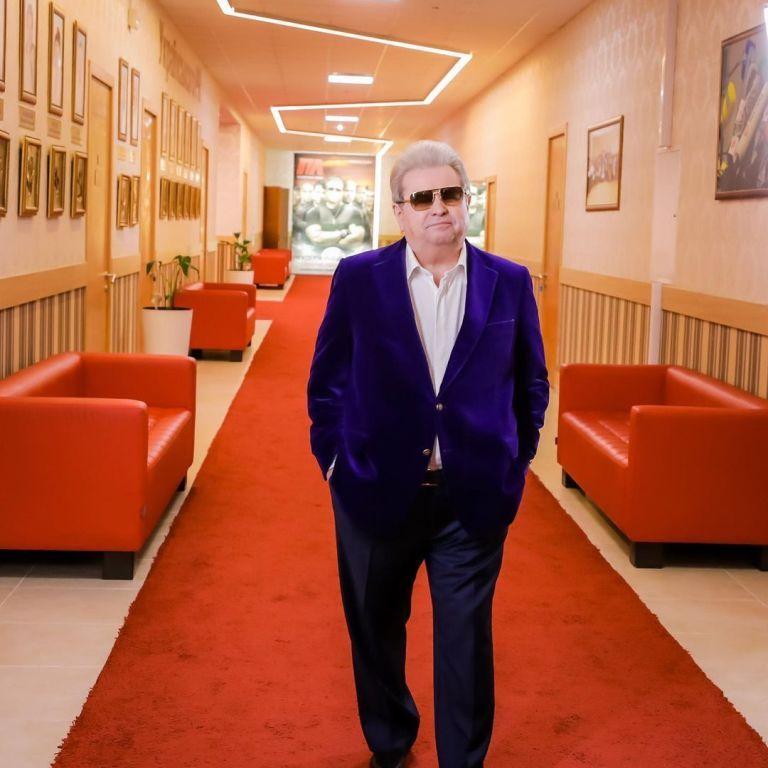 71-річний Михайло Поплавський завершує кар'єру співака та ректора