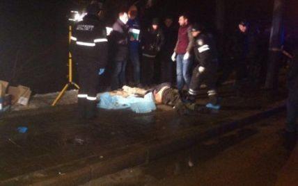 Во Львове неизвестные застрелили бизнесмена, а его тело выбросили на дорогу