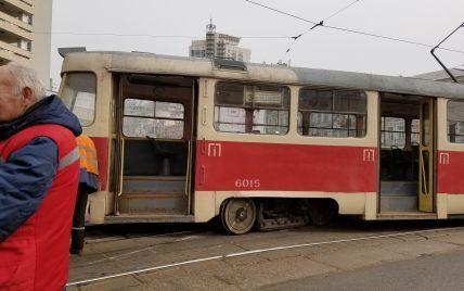 У Києві зійшли з рейок два швидкісні трамваї