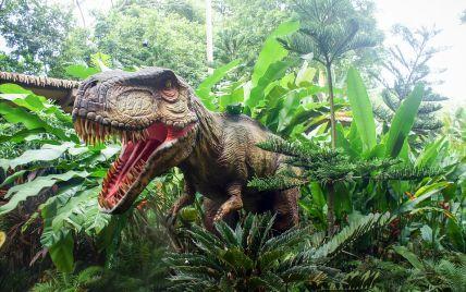 """Перевершував тиранозавра: в Узбекистані вчені виявили рештки нового динозавра з """"акулячими"""" зубами"""