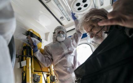Важкі хворі з коронавірусом помирають, легкі — штурмують лікарні: інфекціоніст розкритикував дистанційну допомогу