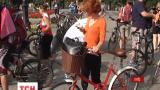 Несколько сотен велосипедистов собрались на Майдане Независимости в столице