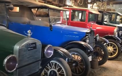 В США обнаружили самую большую коллекцию 100-летних Ford в заброшенном сарае: видео