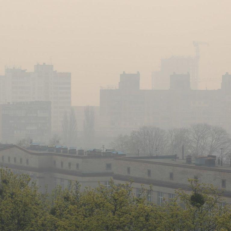 Київ знову очолив світовий рейтинг міст із найбільш забрудненим повітрям