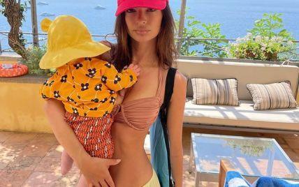 На отдыхе с сыном: Эмили Ратажковски поделилась трогательными снимками