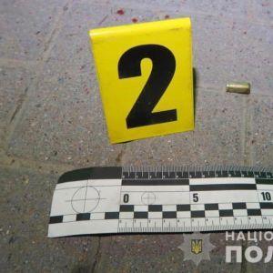 У Івано-Франківській області чоловік влаштував стрілянину на АЗС: є поранені