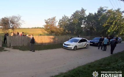 У Хмельницькій області чоловік до смерті затовк свою 33-річну дружину і намагався втекти: фото