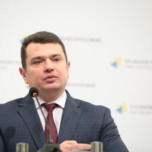 Госбюро начало расследовать, получал ли глава НАБУ Сытник взятку от Крючкова