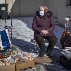 В правительстве заявили, что до конца года пенсии повысят в три этапа