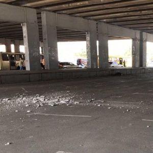 В Киеве на Осокорках осыпается мостовой путепровод