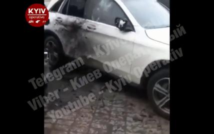 У Києві вибухнула машина. Є постраждалі – ЗМІ