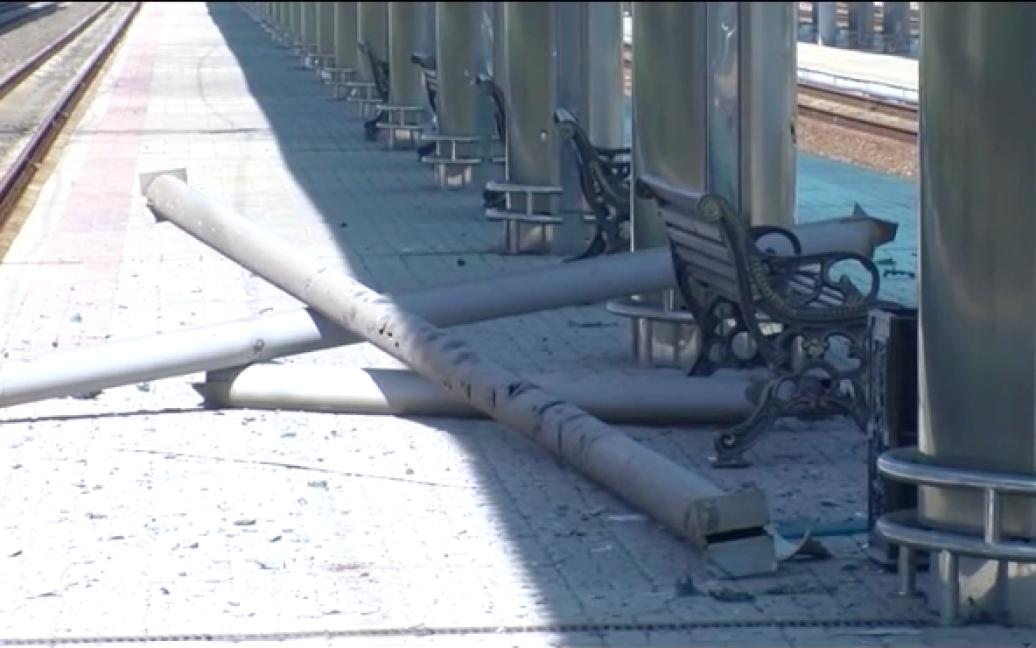 Железнодорожный вокзал Донецка после обстрела. / © Новости Донбасса
