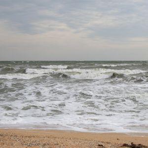 В Мариуполе нашли мертвым 7-летнего ребенка, который потерялся на пляже Азовского моря