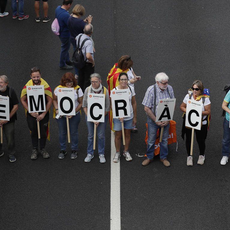 У Барселоні п'ятий день не вщухають протести: затримано 100 осіб