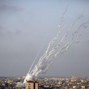 Израиль заявил о наибольшем количестве ракетных обстрелов в истории страны