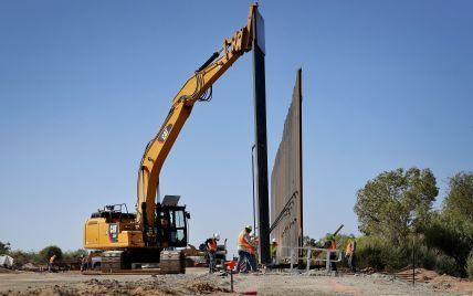 Стена Трампа: в США отменили контракты на строительство на границе с Мексикой