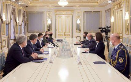 Зеленский провел встречу с председателем Военного комитета НАТО: о чем говорили