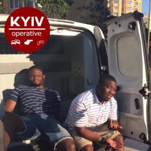 В пригороде Киева двое пьяных иностранцев на BMW устроили ДТП