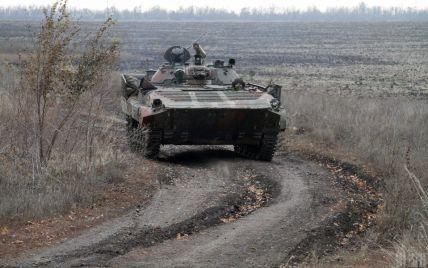 Одна загибла та ще двоє поранених. Бойовики на Донбасі посилили обстріли