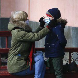 Коронавірус у дітей і підлітків: медики виявили загадковий запальний синдром під час COVID-19