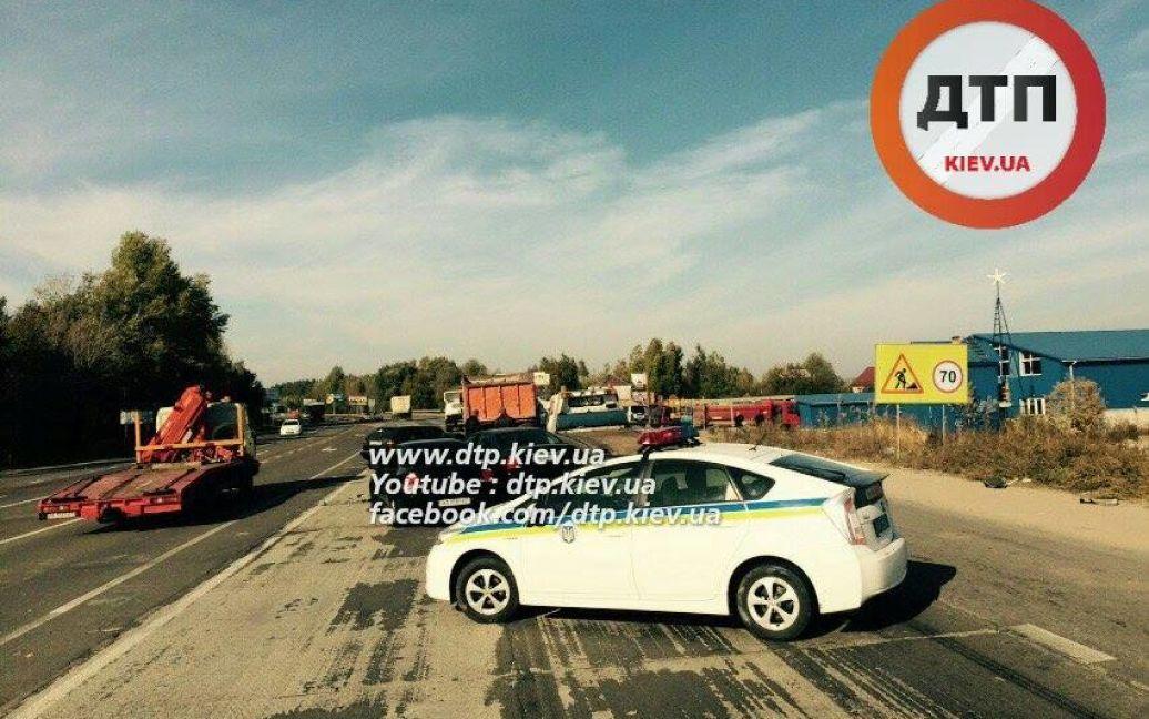 Машины получили разное количество повреждений, сколько пострадавших - неизвестно / © dtp.kiev.ua