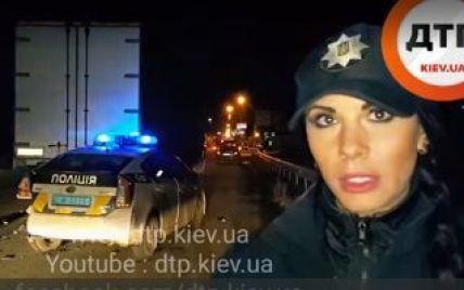 Подробности ДТП на Окружной: легковушка влетела в машину самой сексуально патрульной Киева