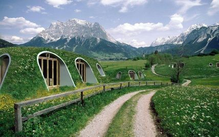 """""""Нора Хобіта"""". Для шанувальників Толкіна створили підземні будиночки"""