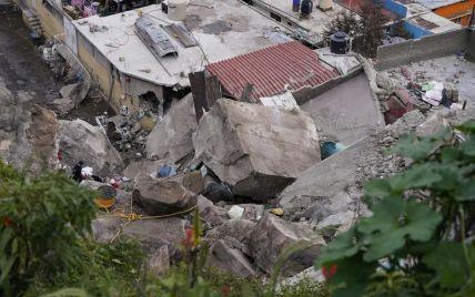 У Мексиці скеля обвалилася на житлові будинки: є жертви і зниклі безвісти