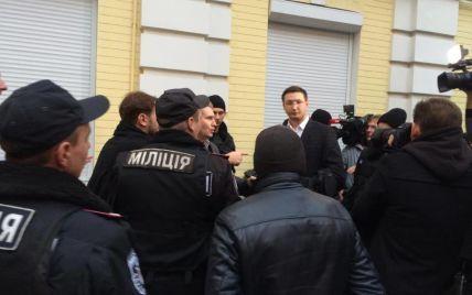 Прокурора, который подрался с Парасюком, забрали в райотдел