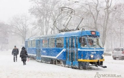 По всій території України оголошено штормове попередження
