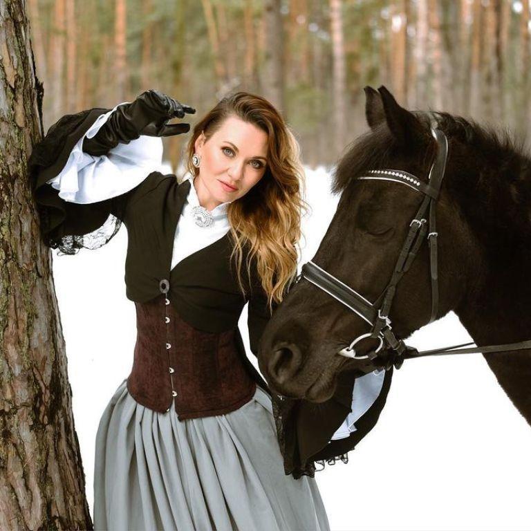 Анна Саливанчук рассказала жуткую историю, как упала с лошади и травмировала позвоночник