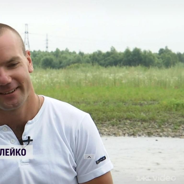 Зволікання могло закінчитись трагедією: у Львівській області чоловік витягнув з води двох жінок та дитину, які тонули