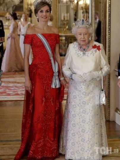 Королева Летиция и королева Елизавета II / © Getty Images